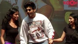 Kartik Aaryan promotes latest single from Luka Chuppi at a College - ZOOMDEKHO