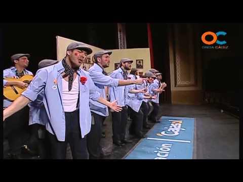 Sesión de Cuartos de final, la agrupación Qué penita de comparsa actúa hoy en la modalidad de Comparsas.