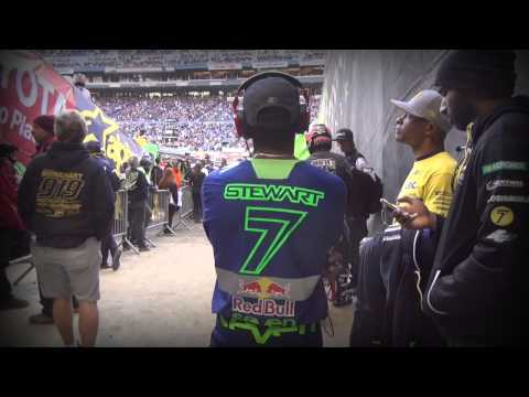 2014 YOSHIMURA SUZUKI FACTORY RACING - SEATTLE SX RACE REPORT