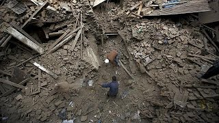 نيبال تعلن زيادة عدد ضحايا الزلزال المدمر إلى أكثر من 3 آلاف قتيل