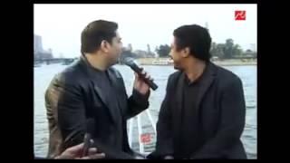 """فيديو يعرض لأول مرة عمرو دياب يغني """"عايشة"""" والشاب خالد يغني """"حبيبي يا نور العين"""""""