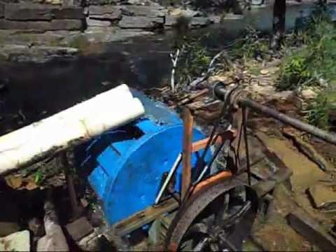 Roda d'agua com gerador Alterima - energia alternativa flutuante