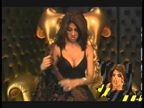 Hot Shilpa shetty showed Cleavge Boob.mp4