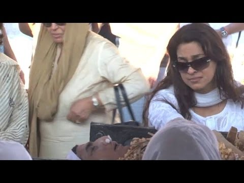 Juhi Pays Final Respect To Brother Bobby Chawla