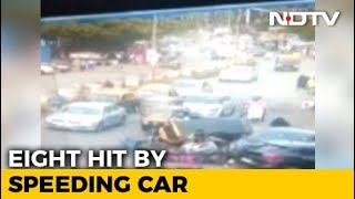 Caught On Camera: Speeding Car Loses Control, Runs Into People In Mumbai - NDTV