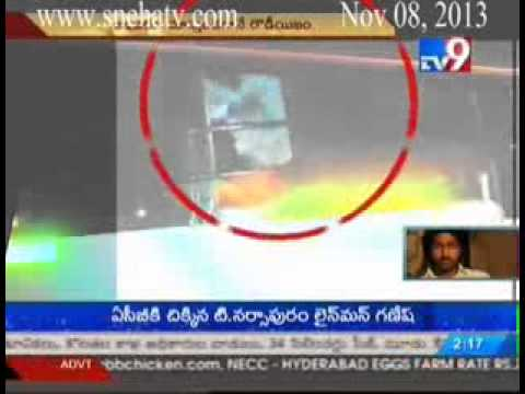 Jagtial  RTC driver beaten up by drunkards in hyderabad...!