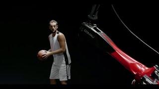 بالفيديو: تحدي الرميات الثلاثية بين روبوت فيات ولاعب NBA فمن سيفوز؟
