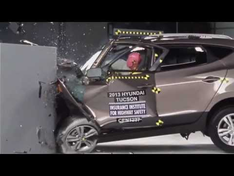 IIHS - 2013 Hyundai Tucson /ix35/ small overlap crash test / POOR EVALUATION /