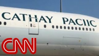 Airline misspells own name on plane - CNN