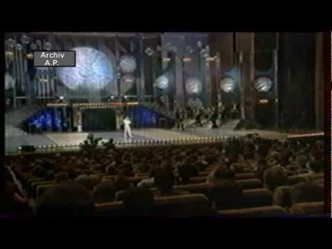 Karel Gott - Důvěřivá ( Ples ČST 1987)