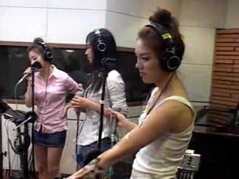 SNSD Yuri Hyoyeon Sunny - As Time Goes By (T / Tasha / Yoonmirae) Aug04.2009 GIRLS' GENERATION Live