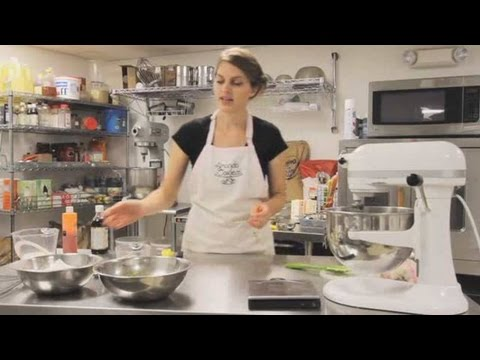 How to Make the Best Lemon Cupcakes | Cupcake Baking