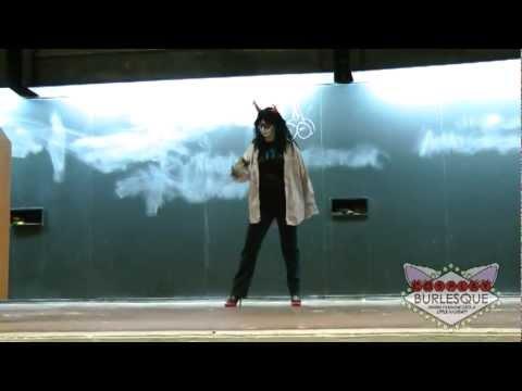Victoria Belmont - Vrishka -ICON 2012 - Cosplay Burlesque