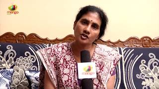 Social Activist  Devi Demands Action Against TRS Youth Wing Leader Srinivas Reddy | Mango News - MANGONEWS