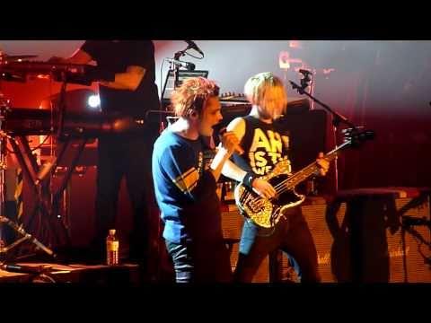 My Chemical Romance - Mama - Live LG Arena Birmingham 2011