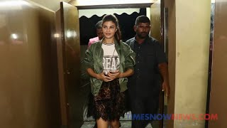 Salman, Jacqueline And Other Race 3 Starcast's Grand Entry At The Screening - ZOOMDEKHO