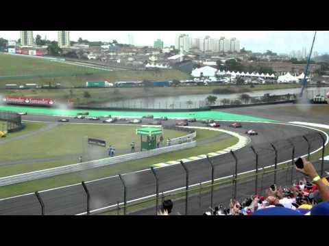 ACIDENTE ENTRE SEBASTIAN VETTEL E BRUNO SENNA GP BRASIL 2012