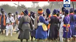 Two Sikh groups clash in Amritsar. 1 among the 5 injured in critical condition - ABPNEWSTV