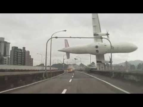TransAsia Plane Crash - Dashcam Footage & Pictures