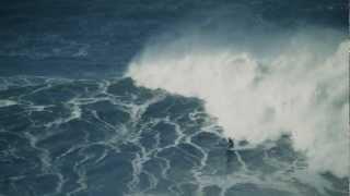 A onda que o mundo não viu. Surfista António Gomes da Silva na Praia do Norte, Nazaré