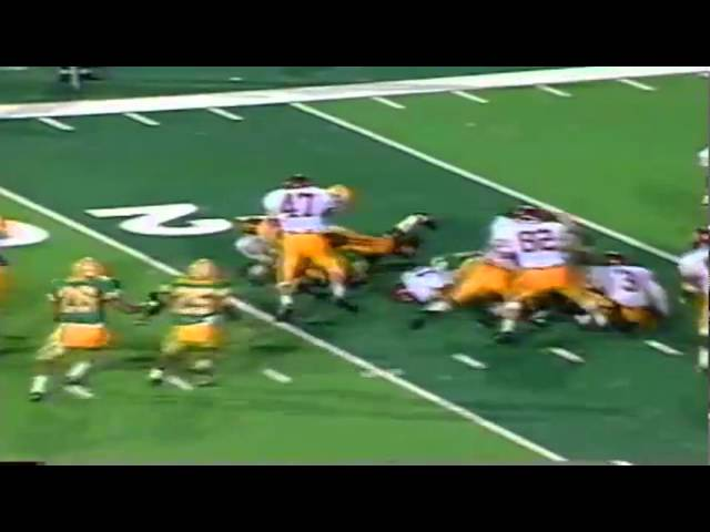 Oregon LB Tony Koker makes a nice tackle on opening kickoff vs. USC 9-28-91