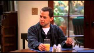 Two and a Half Men S06E08 Lieber in den Kofferraum kacken view on youtube.com tube online.