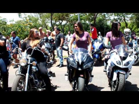 2 passeio de mulheres motociclistas.mp4