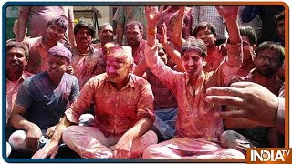 Manish Sisodia Celebrates Holi With Zeal And Fervour - INDIATV