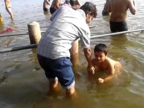 Anirudh Ganjihal bathing in d river at Gangapur