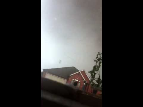 Super Close View of Moore Oklahoma Tornado 5/20/13