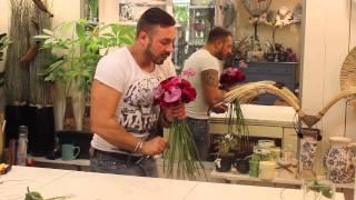 Слава Роска. Букет невесты с розами и пробосцидеей