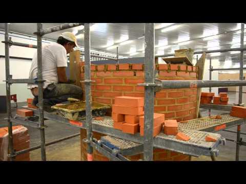 Construção de Chaminé de alvenaria de tijolo_ Edifícios & Vestígios