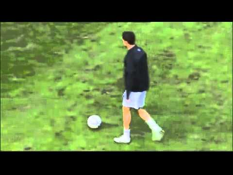 Cristiano Ronaldo warm up before reading game