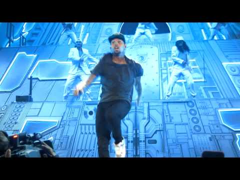 Yeah 3X [HD] - Chris Brown Carpe Diem 2012 Tour - Stockholm, Sweden - Nov 19