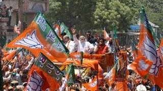 Modi in Varanasi: biggest road-show in world's largest election - NDTV