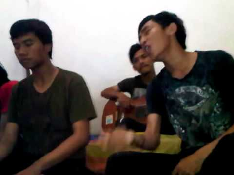 Kuburan Band - Ulat Bulu (Cover) by Romansa