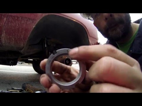 How to rebuild the front hub bearing assenbly on a truck