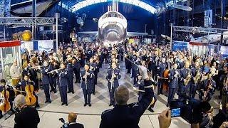 بالفيديو.. سلاح الطيران الأمريكي يلهب الحماس في