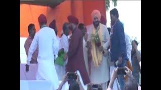 Election Viral: Sidhu urges Muslims to vote en bloc and defeat Modi - ABPNEWSTV