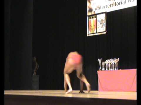 Sebastian Lago Quintáns en su coreografía durante el Campeonato del norte IFBB 2011