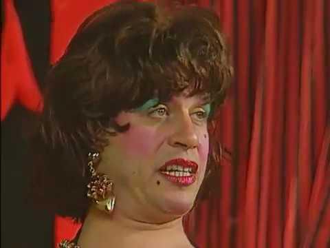 أجمد مشهد كوميدي بين الزواوي و شريف منير ومحمد هنيدي ومدحت صالح بملابس النساء - روايات تيوب -YouTube DownLoader