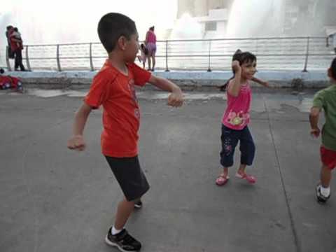 Maria Jose bailando la foca ramona