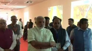 PM Modi visits digital gallery and 3D model on making of Eastern Peripheral Expressway - TIMESOFINDIACHANNEL