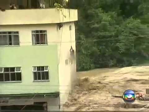 Salvamento de uma mulher na Região Serrana do Rio de Janeiro