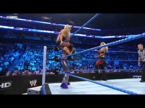 SmackDown: Beth Phoenix &amp; Kelly Kelly vs. Layla &amp; Michelle