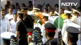 मनोहर पार्रिकर की अंतिम विदाई में पहुंचे भारी संख्या में लोग, राजकीय सम्मान के साथ विदाई - NDTVINDIA
