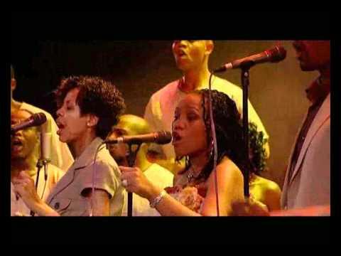 Spirit Of Praise Choir - Praise Medley