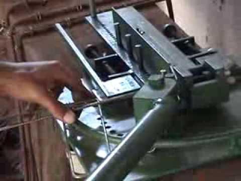 Máquina ferramenta de dobrar estribos para construção
