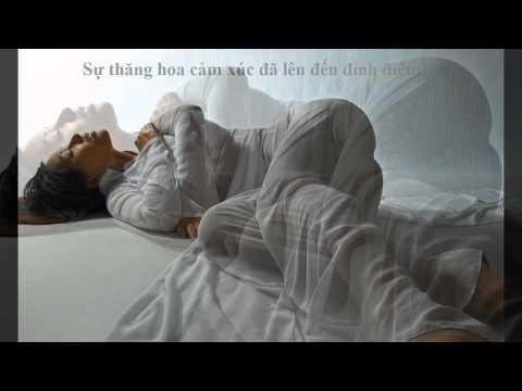 Sock ảnh khiêu dâm hay nghệ thuật của Mai Phương Thúy ?!