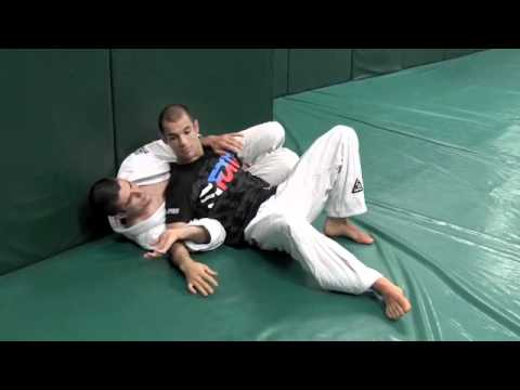 UFC 131 (Gracie Breakdown) Junior Dos Santos vs Shane Carwin, Mark Munoz vs. Demian Maia